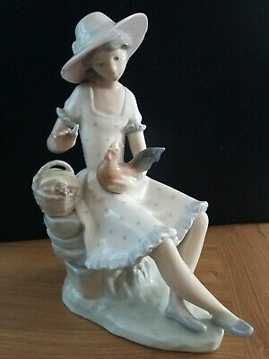 Nao Woman With Basket And Chicken Figurine • 35£