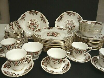 Colclough  Royale  English Bone China Dinner / Tea Service:  64 Pieces • 75£