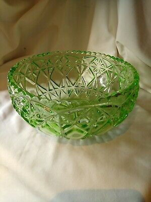 Green Glass Diamond Patern Hobnail Fruit Bowl  Pre-owned. • 12£