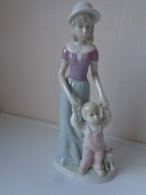Ceng Yi Conte Figurine Of Mother And Child 1986 • 4.99£