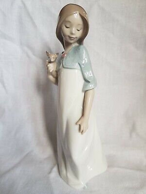 Nao Girl With Puppy • 14.99£