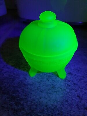 Art Deco, Green Frosted Uranium Glass Trinket Dish, 5  Tall • 15£