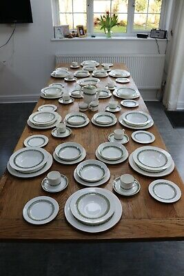 Royal Doulton (Vintage) Rondelay Dinner Service For 10 (White/Green/Gold) • 5.30£