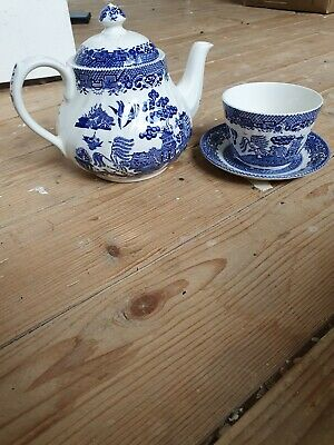 Real Old Willow Tea Pot Cup And Saucer • 18£
