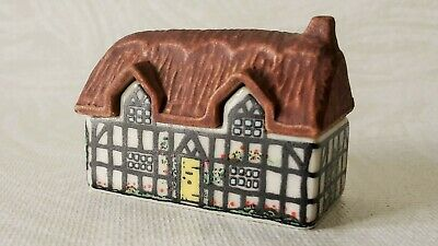 Wade Whimsey-on-the-why #1 Pump Cottage Preowned No Damage • 8.99£