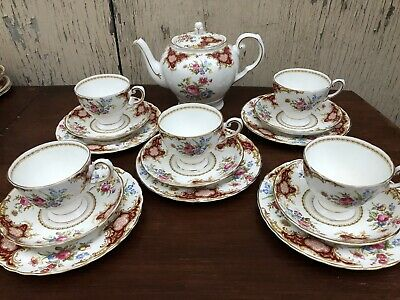 Tuscan Fine English Windsor China Tea Set RED   16 Pieces.   1947- • 160£