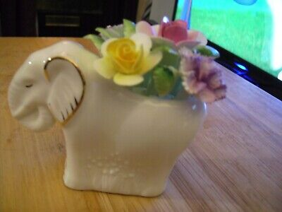 Royal Doulton Elephant With Flowers • 8.99£
