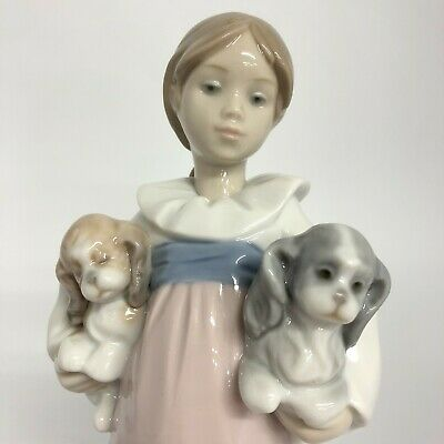 Lladro Arms Full Of Love Porcelain Nao Figurine Ornamental Collectable 41022 CP • 35£