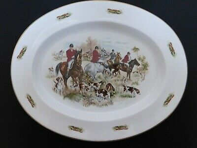 Large Meat Platter Of A Hunting Scene • 7.50£