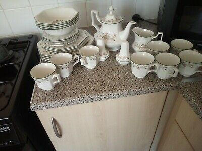 Johnson Brothers Eternal Beau Dinner Service And Tea Set   • 10£