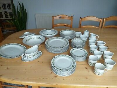 Royal Doulton Vanity Fair, 9 Place Vintage Dinner Service, Exceptional Condition • 50£