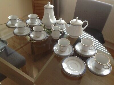 Blenheim 28 Piece Tea Set In Blue And White With Gold Trim • 14.95£