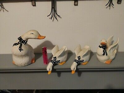 Collection Of   4 Ducks Vintage Ceramic  Statue Figurines Ornaments • 4£