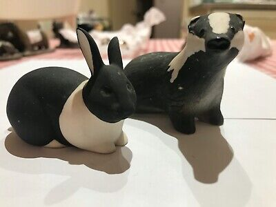 Two Highbank Porcelain Pieces - Badger And Rabbit In Excellent Condition • 3£