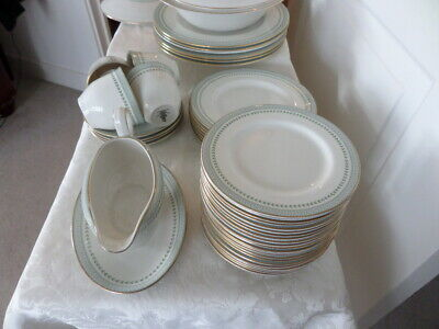ROYAL DOULTON BERKSHIRE - T C 1021 - Collection Of ROYAL DOULTON DINNER WARE • 18£