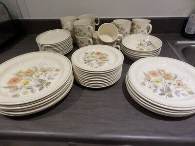 J & G MEAKIN DINNERWARE - TREND - HEDGEROW - CREAM With WILD FLOWERS You Choose  • 15£