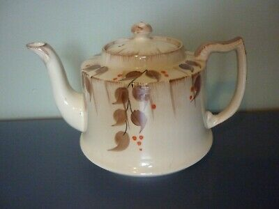 Ivory Ware Hand Painted  Tea Pot. • 5.99£