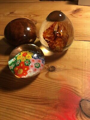 3 Paperweights • 2.90£