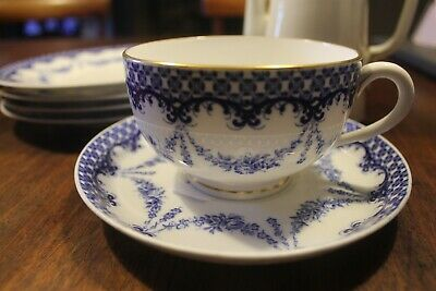 Antique Royal Worcester Coffee Pot, Cup And Saucer And 4 Plates • 45£