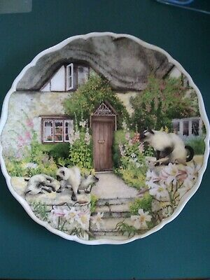 Royal Albert, Cats & Cottages Collection, Plate,  Keeping Watch   • 4£