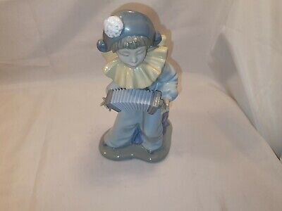 Nao Periot Playing Accordian Clearance Auction 7.99 Start No Reserve • 7.99£