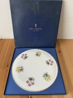 Boxed Vintage ROYAL WORCESTER Bone China  Gold Trim  Spring Flowers. Used. • 3.20£
