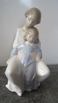 Nao By Lladro A Moment With Mum Figurine  Mother & Daughter  1429 • 24.99£