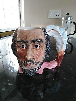Vintage Toby Jug, Man With Beard And Feather Handle • 5£