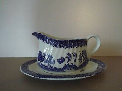 Barratts Of Staffordshire Willow Gravy Boat & Saucer • 14.50£