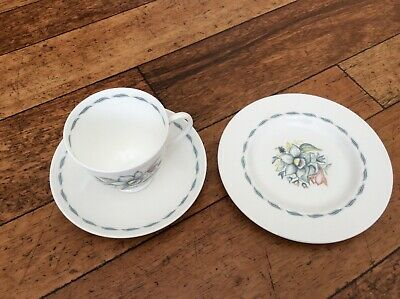 Lovely Bone China 'Susie Cooper - Bridal Bouquet   Trio (Cup, Saucer And Plate) • 14.99£