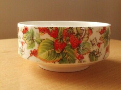 Vintage Finsbury China Sugar Bowl Strawberries Design. • 4.99£