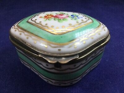 Antique Sevres Trinket / Snuff Box - Collectors Piece. Beautifully Hand Painted • 100£