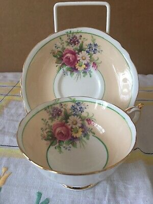 Vintage Paragon Tea Cup And Saucer With Floral Design. Condition Is Used. • 22£