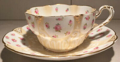 George Jones & Sons Cresent China Cup And Saucers RD No 269723 • 24£