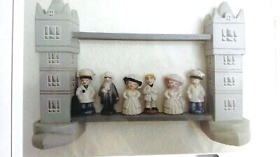 WADE Home Made Wooded Display For Wade Series Of LONDON Characters • 7.99£