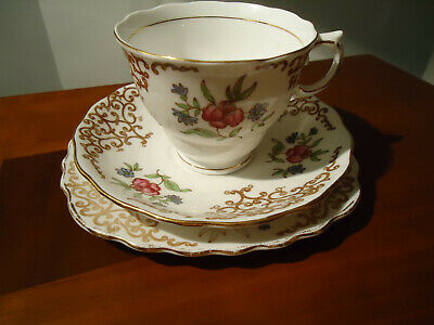 Lovely Vintage Colclough China Trio -pattern 6629 • 7£