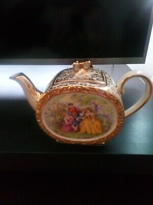 Sadler Courting Couple Barrel Teapot In Very Good Condition  • 12.99£