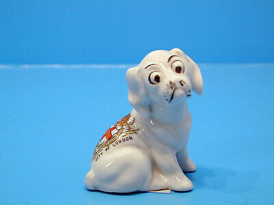 Gemma Crested China Pup Looking At Fly On Nose - City Of London • 9.99£