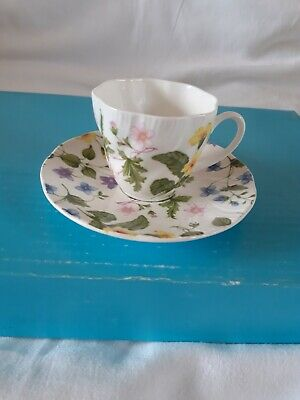 Vintage Queen's Fine Bone China - Country Meadow - Coffee Cup & Saucer - G/Cond. • 7.99£