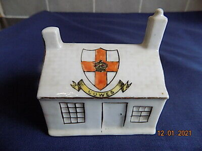 Gemma Crested China Cottage - Cowes VGC • 4.99£