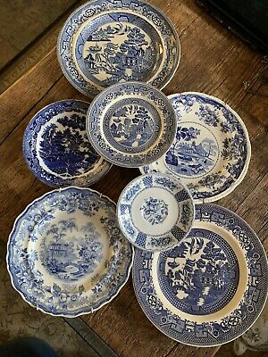 7 Blue And White Plates • 0.99£