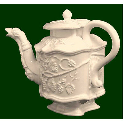 Royal Creamware Limited Edition, The Grape Vine Teapot • 8.99£