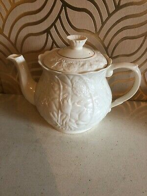 Gorgeous Belleek Serenity 2 Pint Teapot • 39.99£