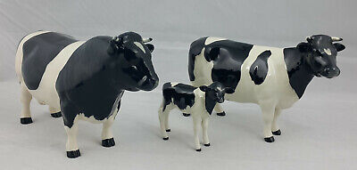 Beswick - Friesian Bull, Cow & Calf - Cattle Family • 250£