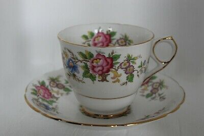 Royal Stafford Rochester Large Cup & Saucer X 6 • 38£