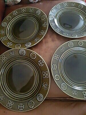 Nelson Pottery Dinner And Side Plates  • 24£