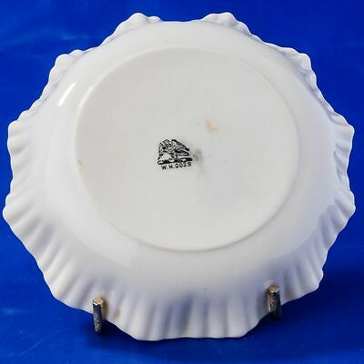 W.H. Goss Crested China Round Crinkle Dish With Seal Of Rye Crest • 5.99£