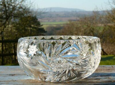 Beautiful Heavy Quality Cut Glass Crystal Bowl • 19.99£