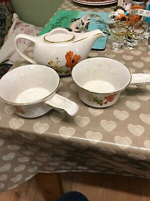 Small Tea Pot &2 Bowls With Poppy Design By Kernewek, Goonhavern, Cornwall • 7£