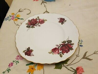Vintage QUEEN ANNE Bone China Red Roses Cake Or Bread & Butter Plate Vgc • 7.99£